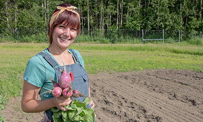Farm worker harvesting Beets at Spring Creek Farm